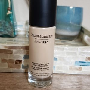 Bare minerals bare pro liquid foundation #07 warm